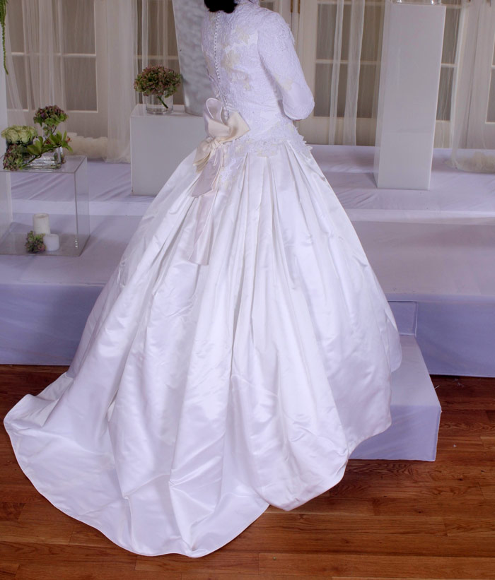Kleinfeld Designer Gown Photo 1