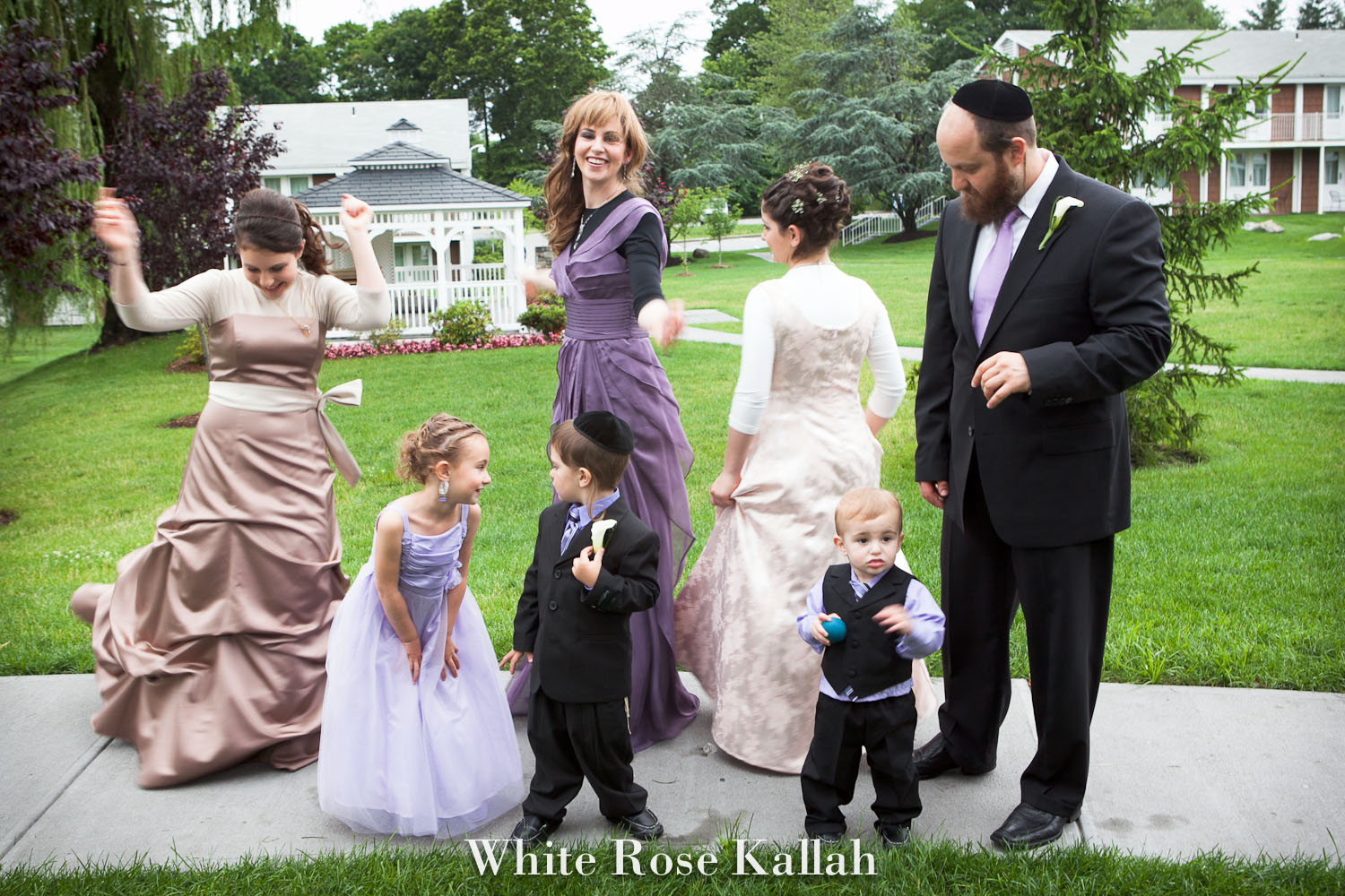 White Rose Kallah Photo 3